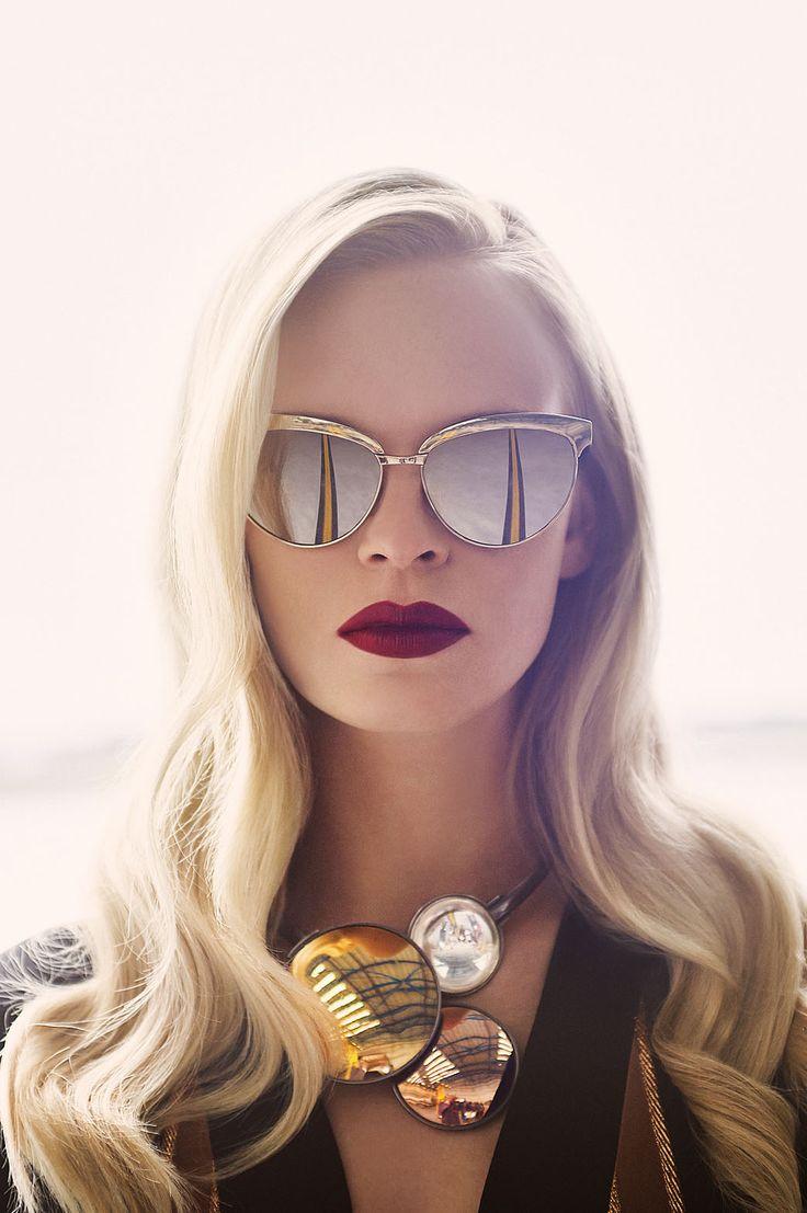 kare-yüz-şekline-göre-gözlük-seçimi