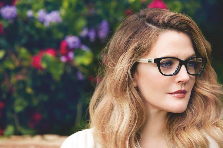 Photo of Gözlük Kullananlar Nasıl Makyaj Yapmalı?