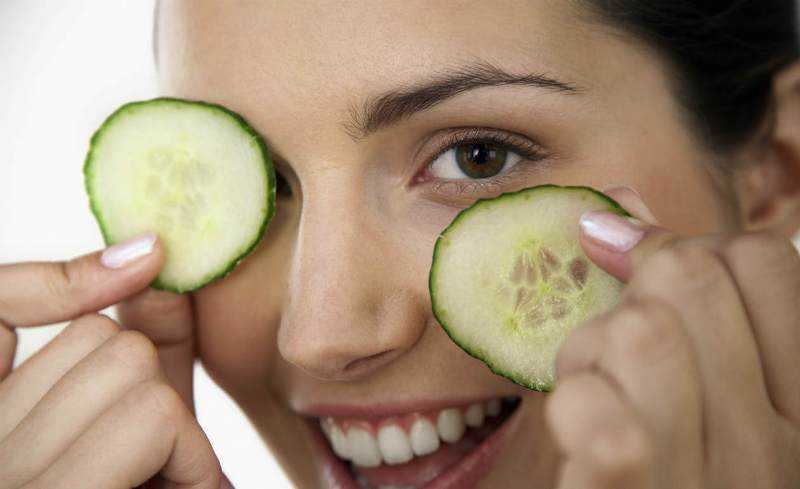 salatalık-göz şişliği