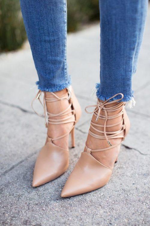 topuklu bağcıklı ayakkabı