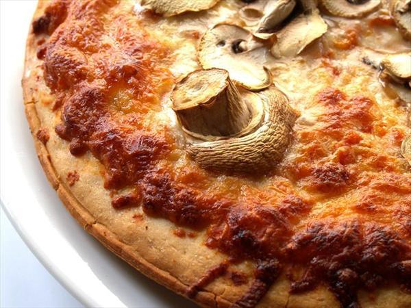 kinoalı-mantarlı-pizza