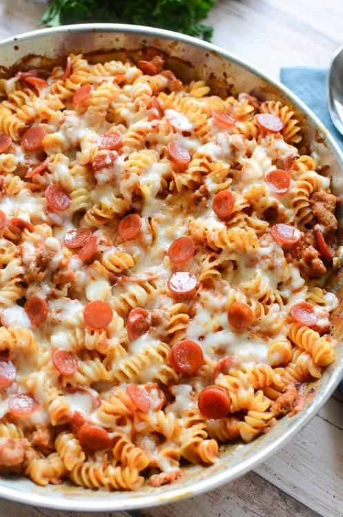 pizza-makarna-tarifi